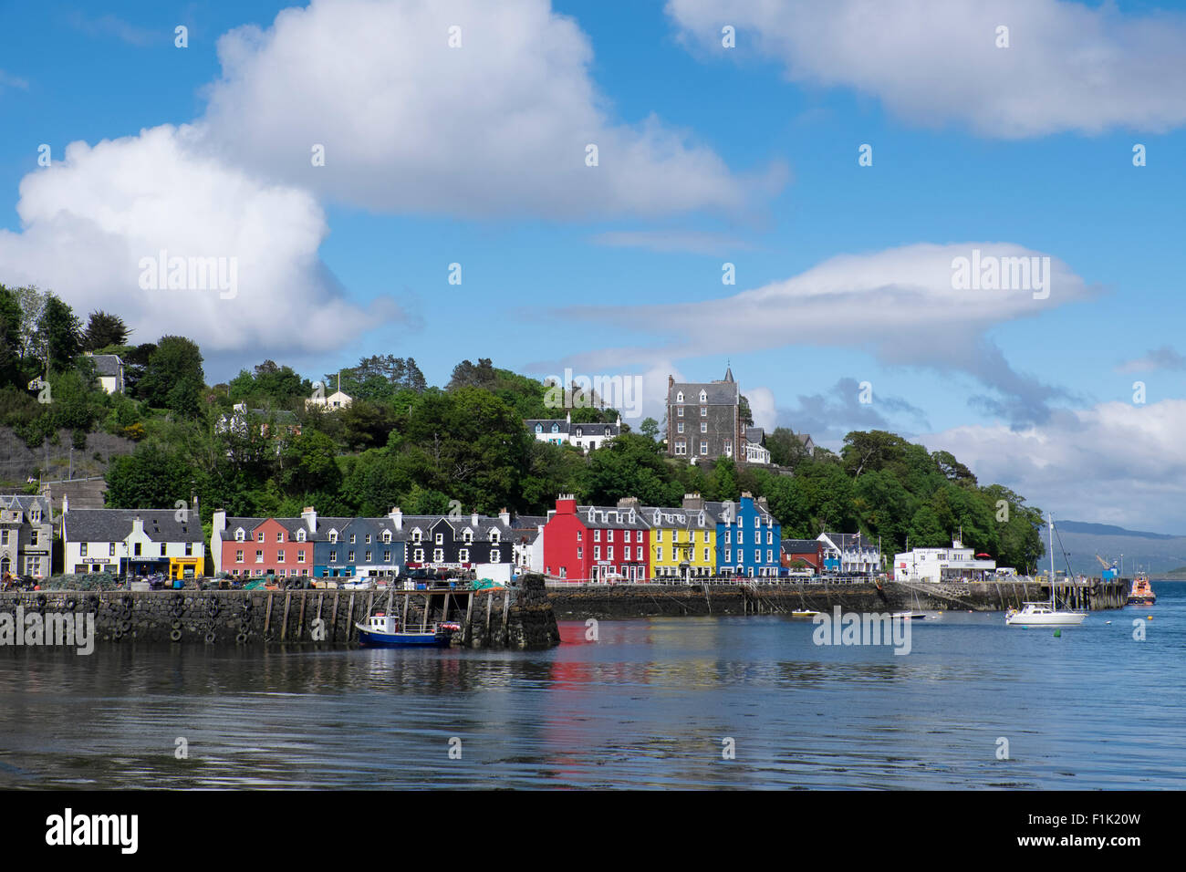 Tobermory - harbour side buildings Isle of Mull Scotland, UK LA007535 - Stock Image