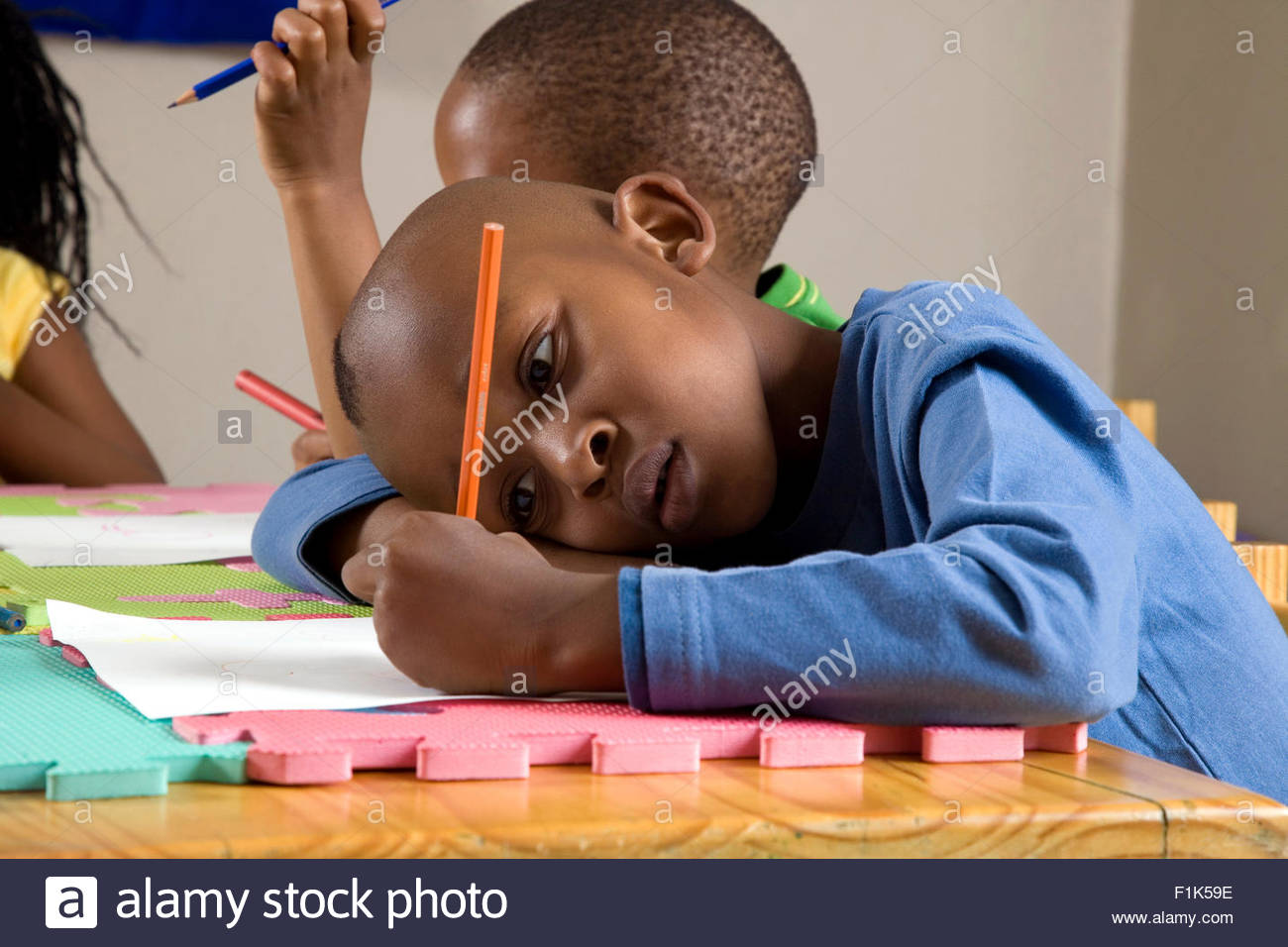 Boy Colouring In Stock Photos & Boy Colouring In Stock Images - Alamy