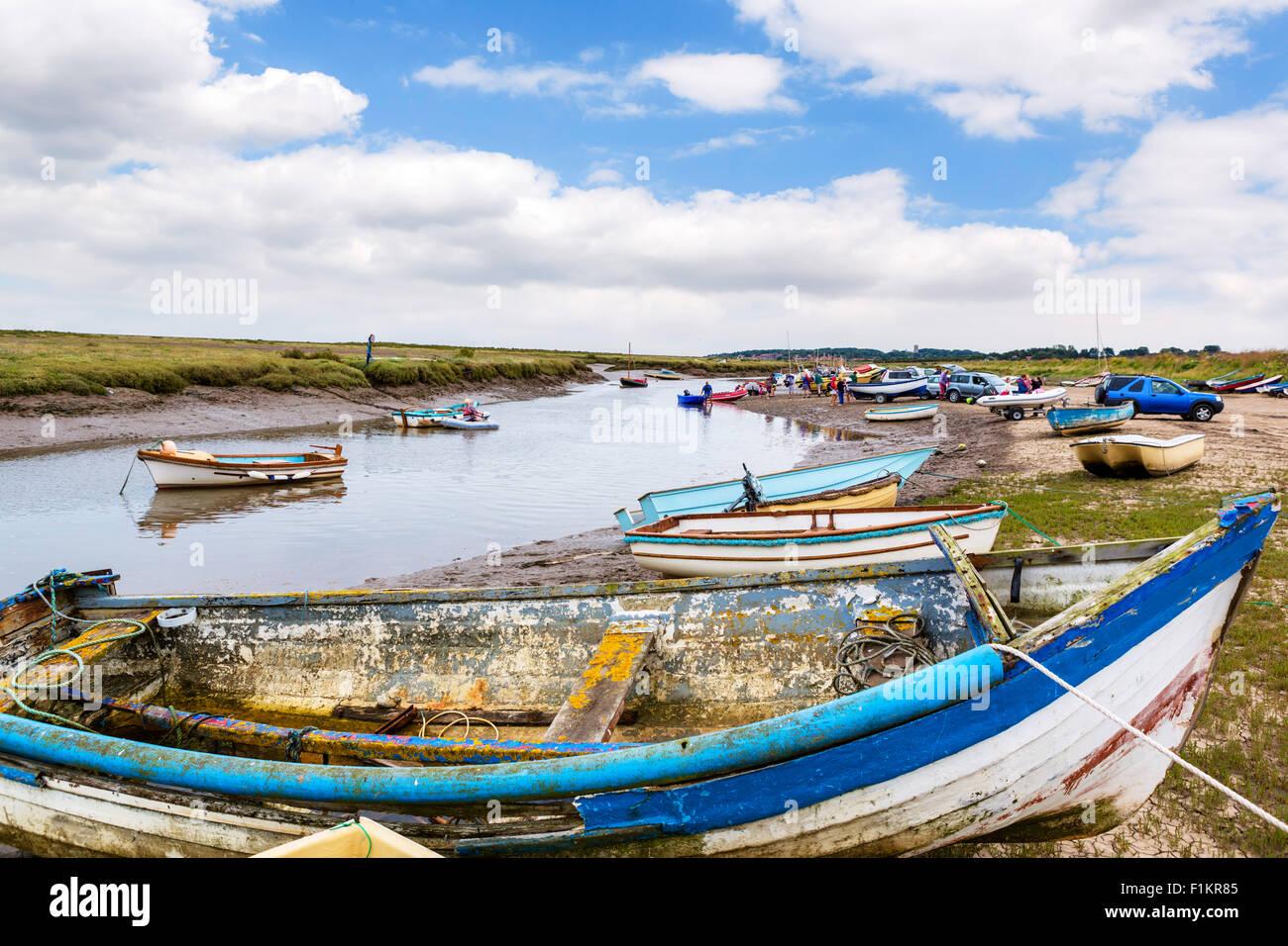 Boats at Morston Quay, near Blakeney National Nature Reserve (Blakeney Point), Norfolk, England, UK - Stock Image