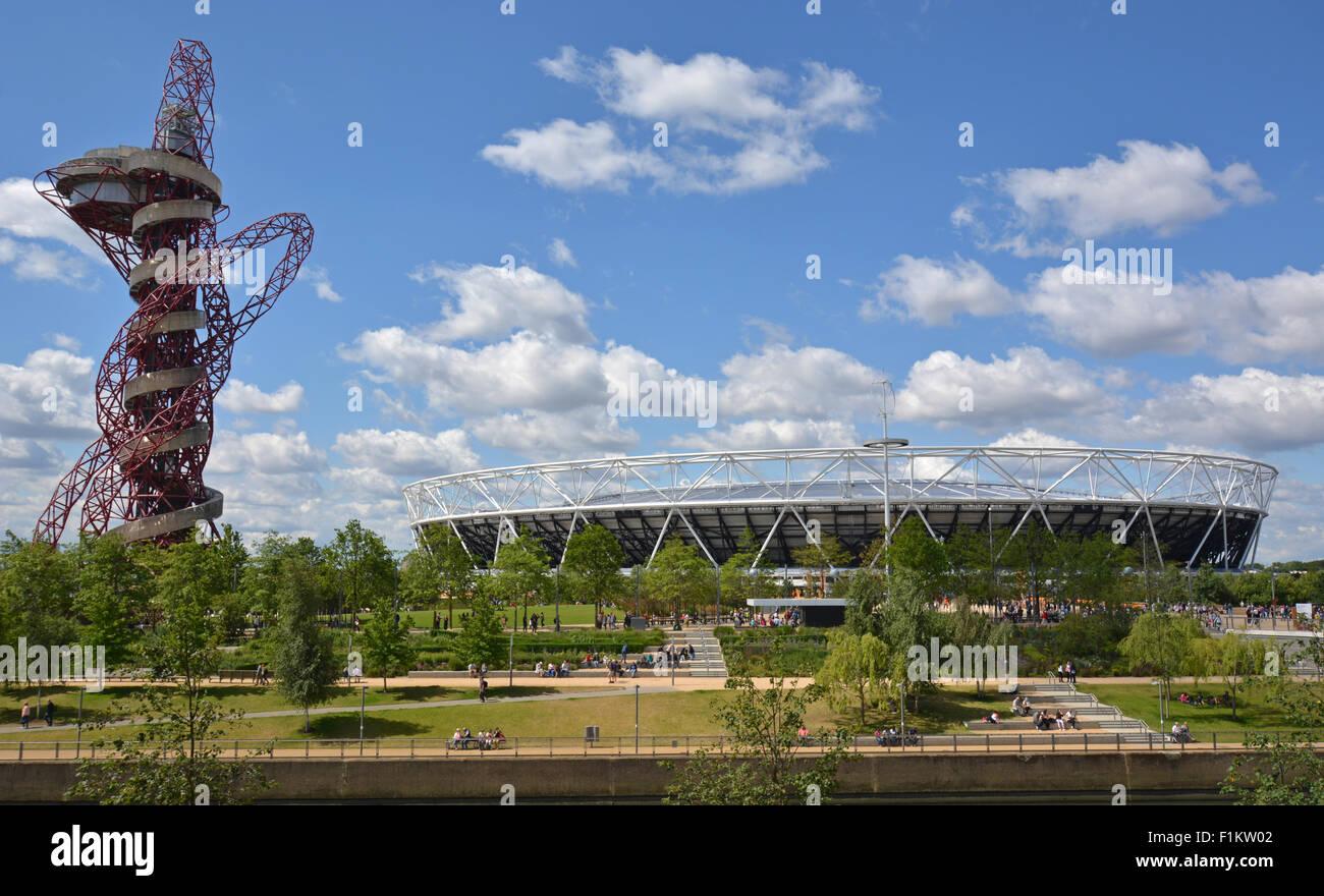 Queen Elizabeth Olympic Stadium and ArcelorMittal Orbit, Stratford, London - Stock Image