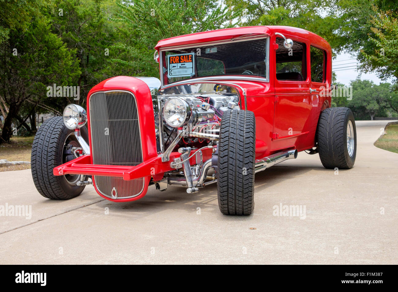 Front view of a For Sale customized 1931 Ford sedan hot-rod painted ...