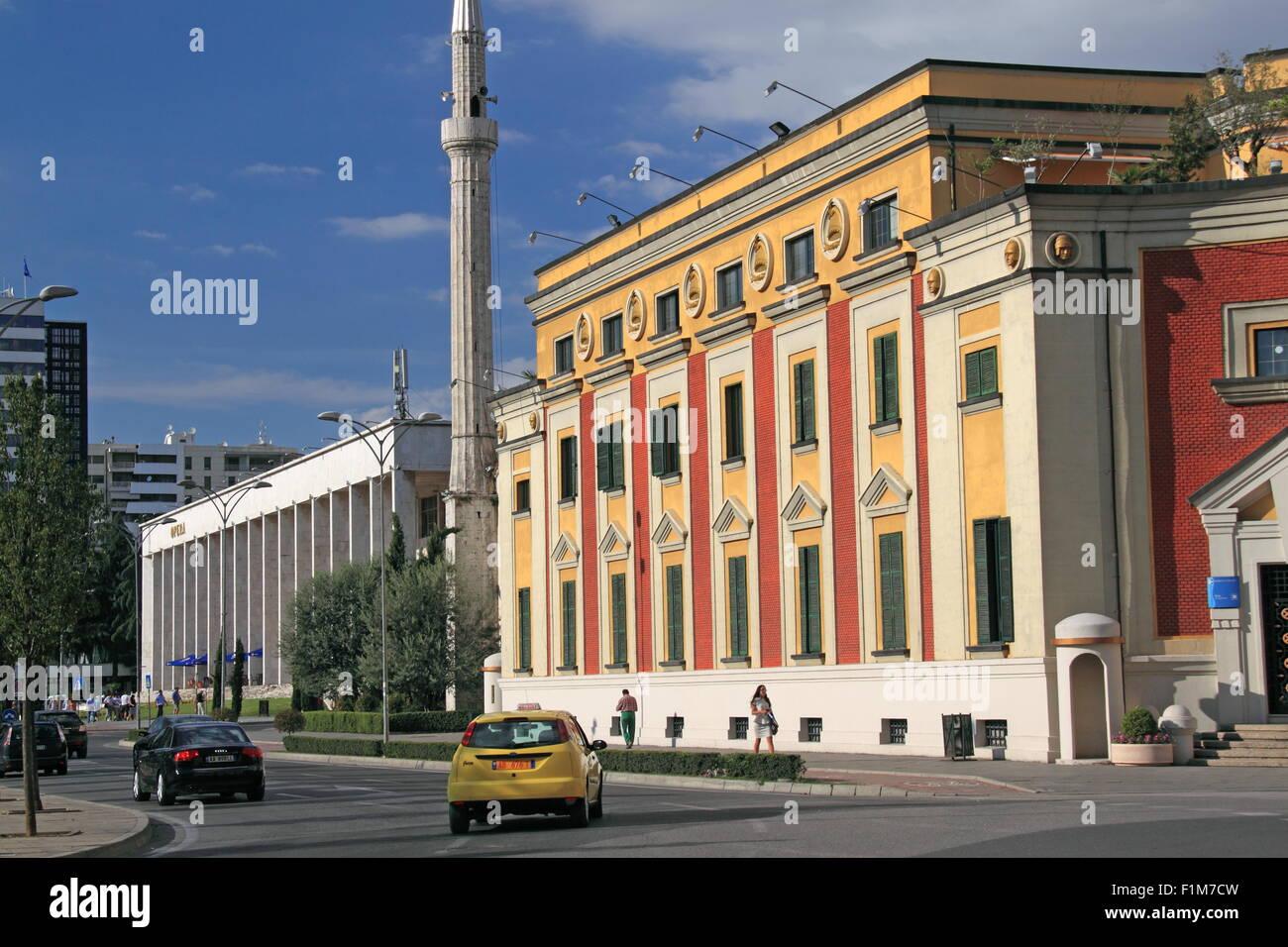 National Theatre of Opera and Ballet (left) and City Hall, Skanderbeg Square, Tirana, Albania, Balka - Stock Image