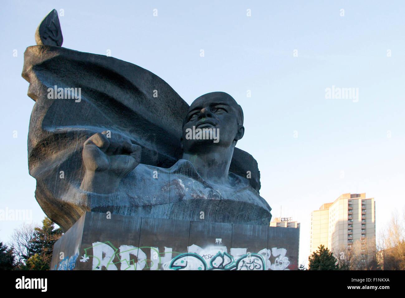 Ernst-Thaelmann-Denkmal, Ernst-Thaelmann-Park, Berlin-Prenzlauer Park. - Stock Image