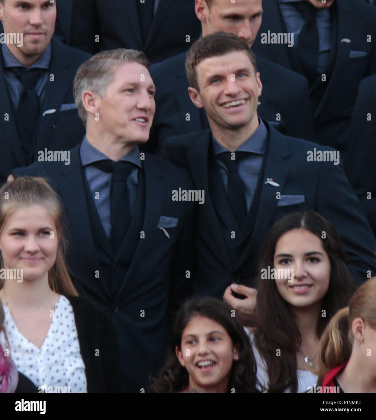 Bastian Schweinsteiger, Thomas Mueller - Empfang der deutschen Nationalmannschaft beim Bundespraesidenten, Schloss - Stock Image