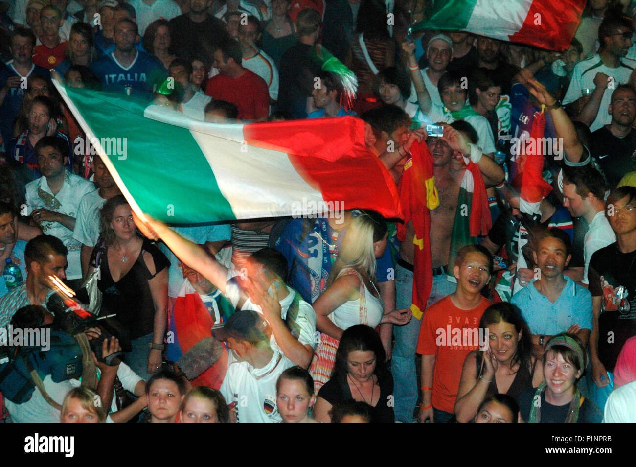 Jubel nach dem  Finale der Fussballweltmeisterschaft 2006, das Italien - gluecklich - nach Elfmeterschiessen gewann - Stock Image