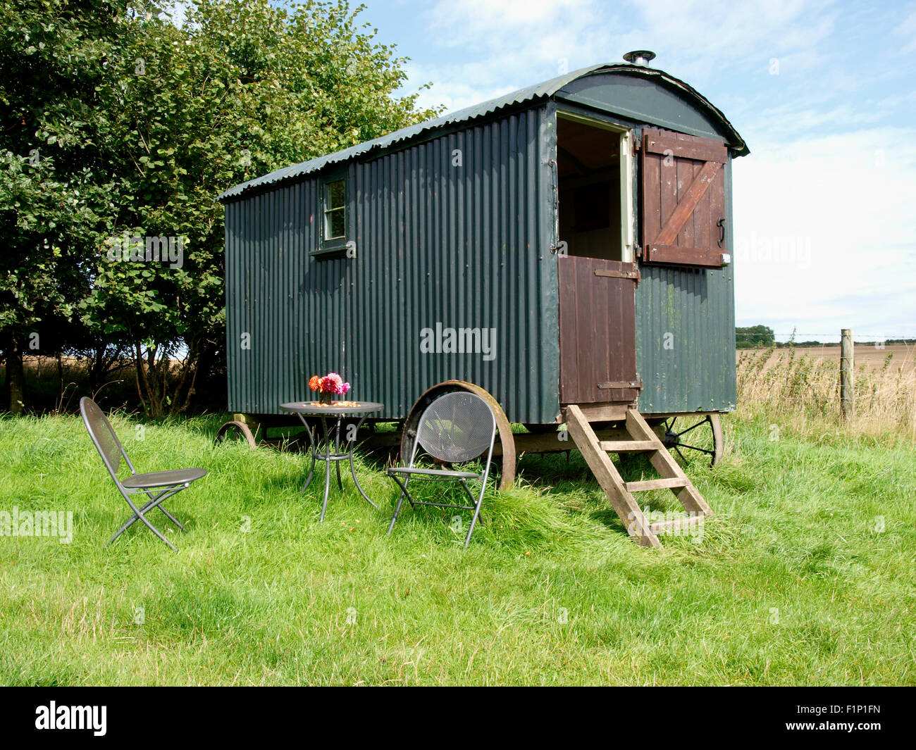 Shepherds Hut Available For Holiday Accommodation Milton Abbas