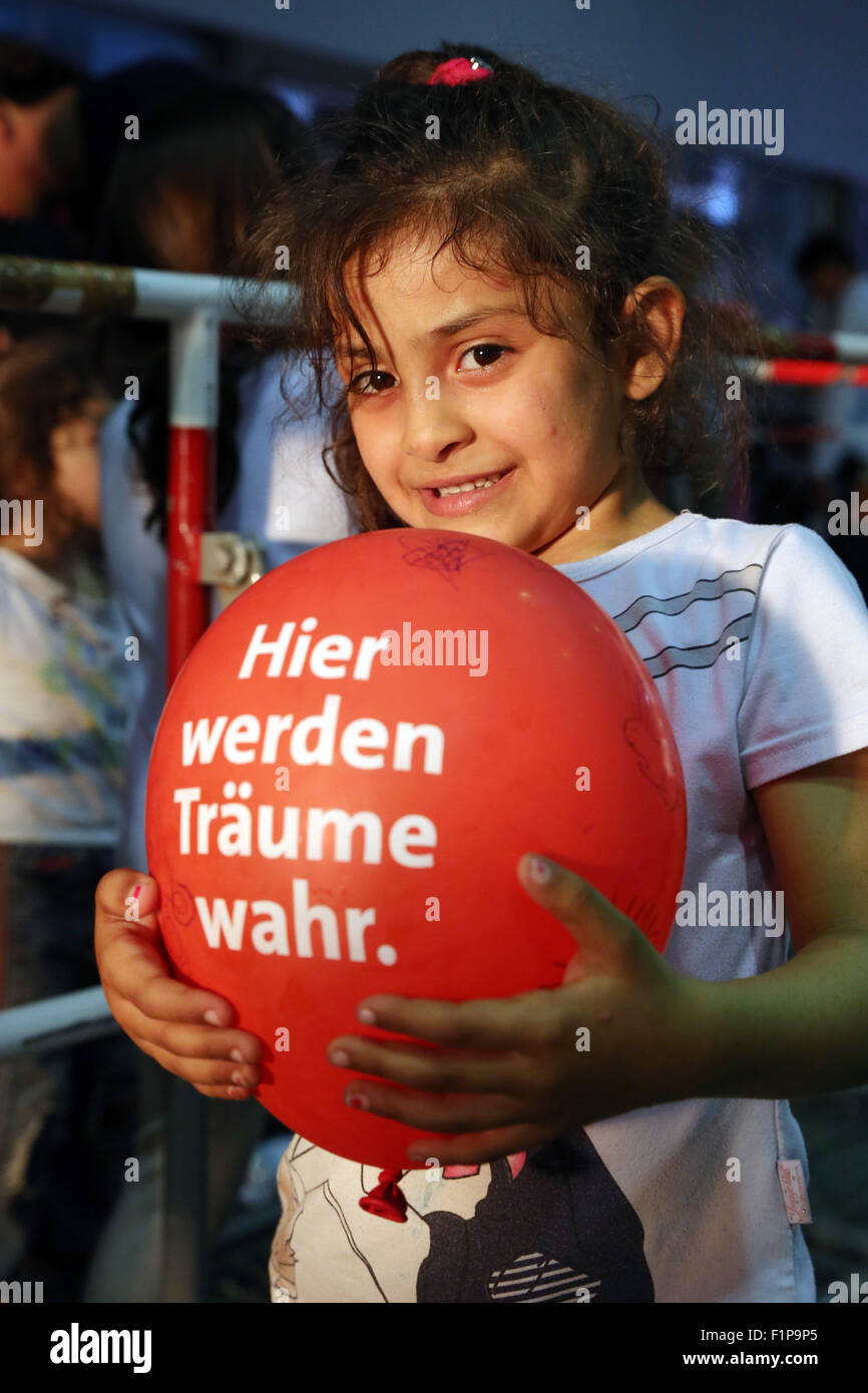 Migrant girls from Syria arrived on a train from Budapest/Hungary at Munich Hauptbahnhof main railway station on - Stock Image