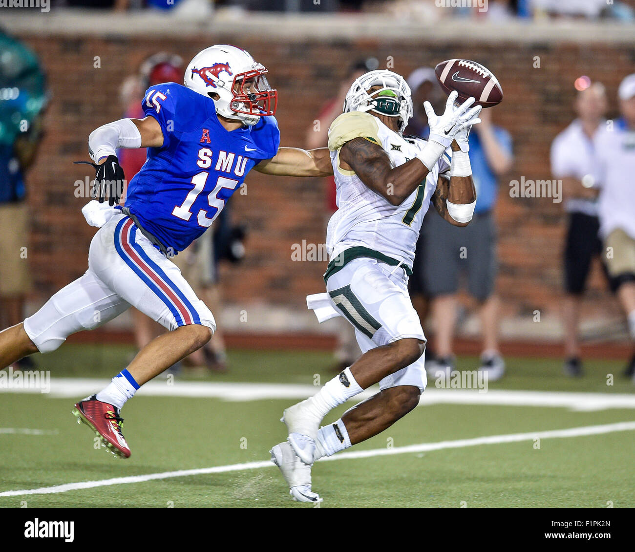 September 4th, 2015:.Baylor Bears wide receiver Corey Coleman (1) just misses catching a pass as Southern Methodist Stock Photo