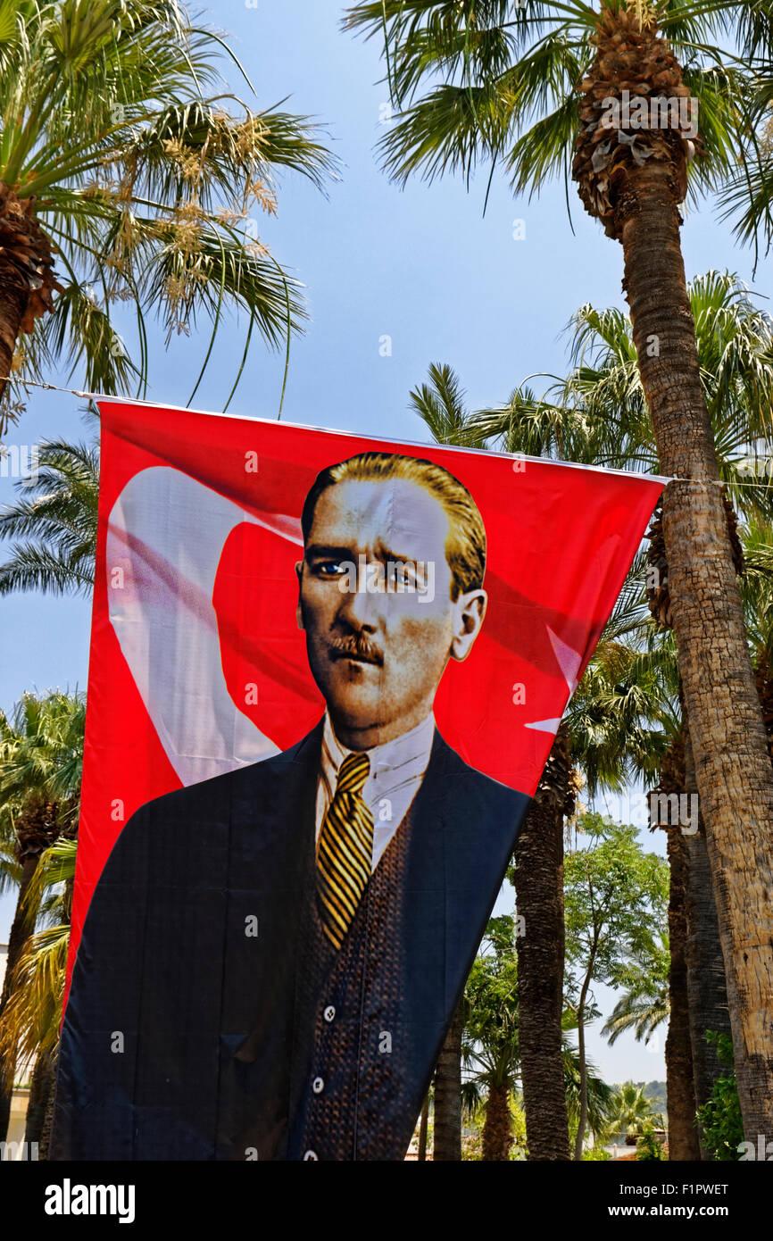 Banner showing Mustafa Kemal Atatürk, the 'founding father' of modern Turkey. - Stock Image