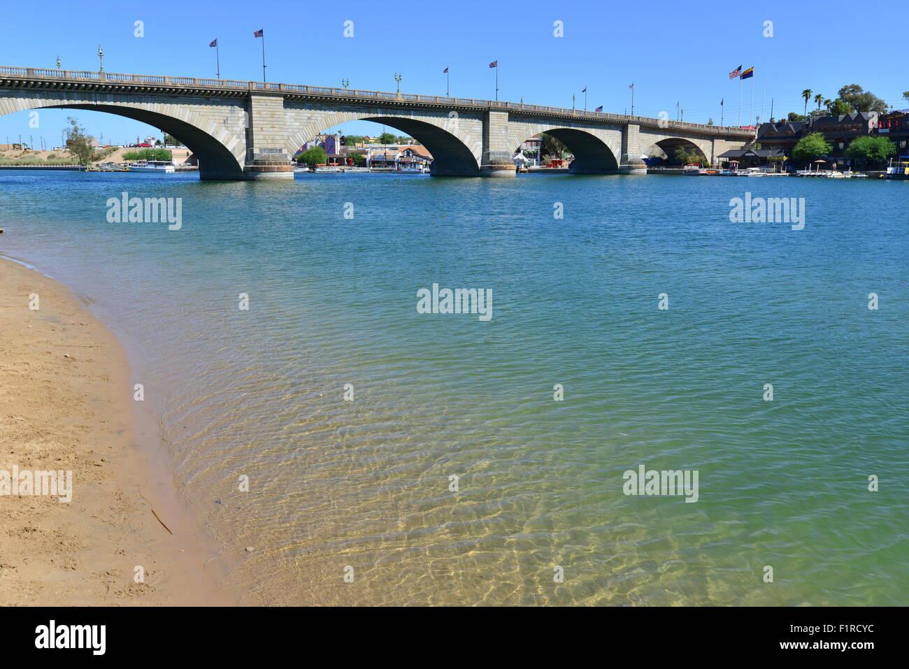 London Bridge On Lake Havasu In Arizona In Late Summer Stock Photo Alamy