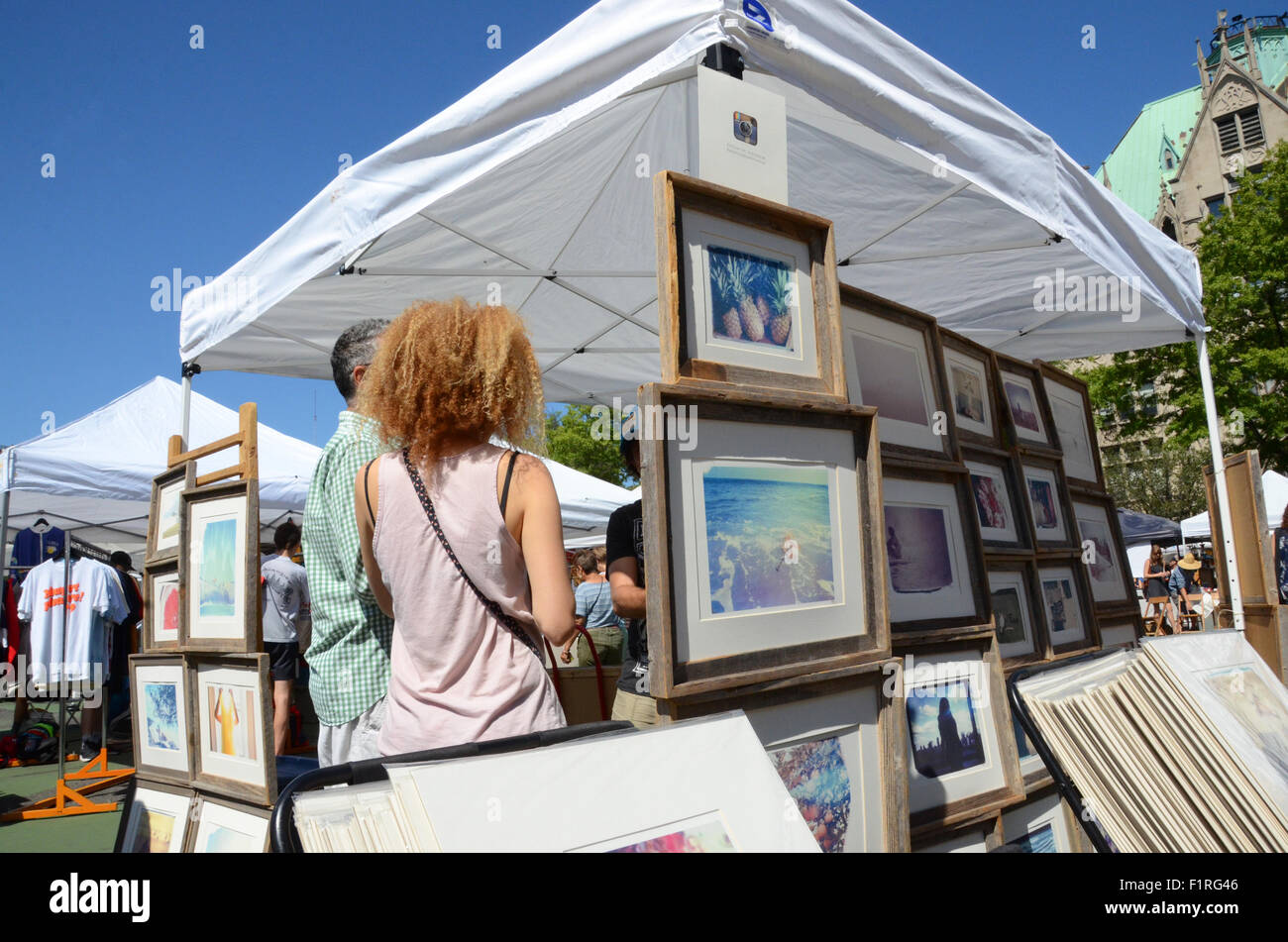 brooklyn flea picture stall - Stock Image