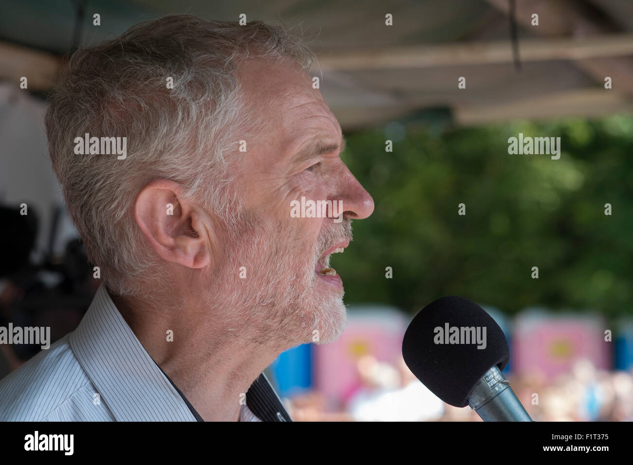 Norfolk, UK. 6th September, 2015. Labour Party leadership candidate, Jeremy Corbyn MP,  at the 2015 Burston Strike - Stock Image