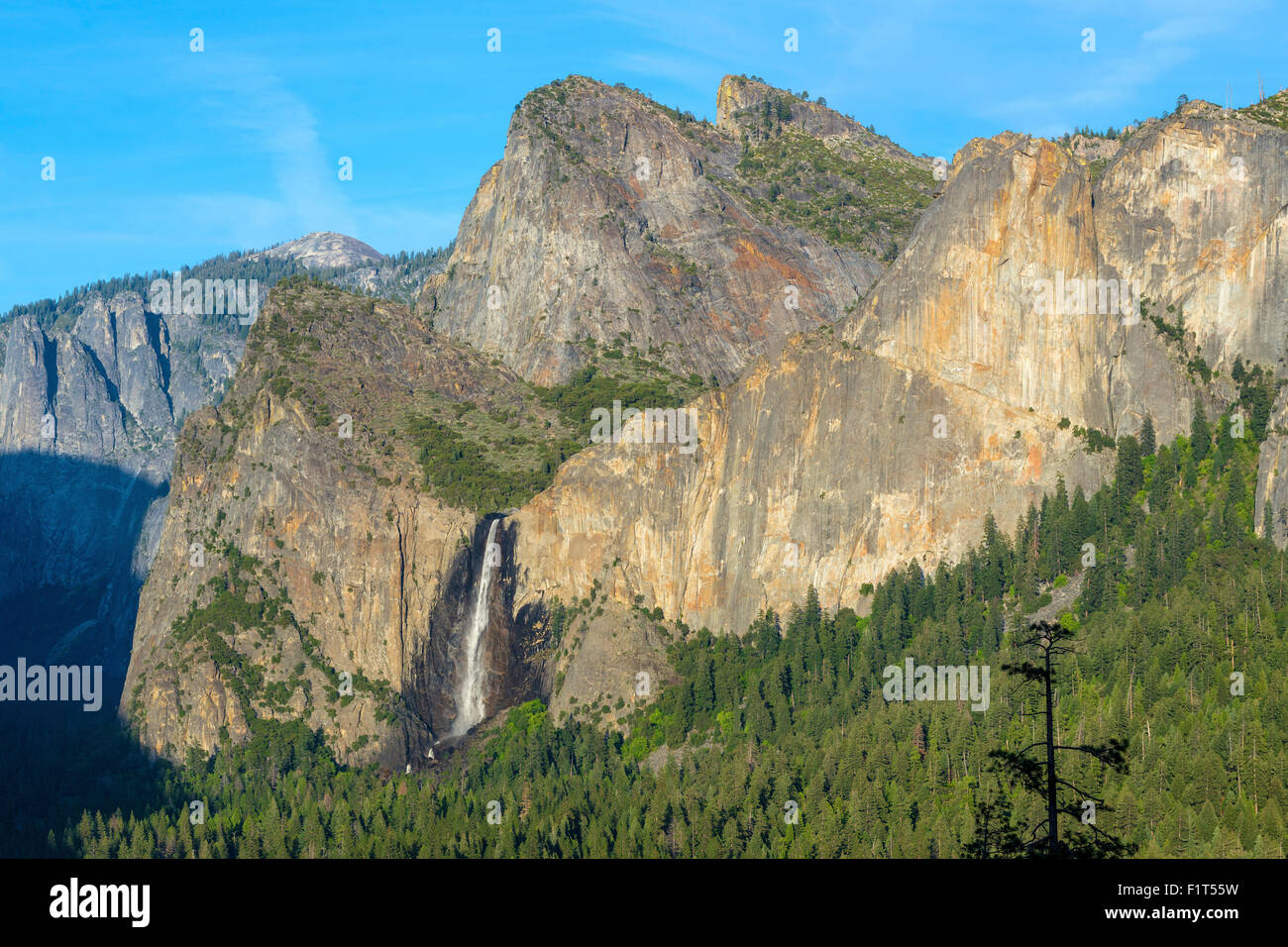 Cathedral Rocks East and Bridalveil Fall from Tunnel View in Yosemite National Park, UNESCO, California, USA - Stock Image