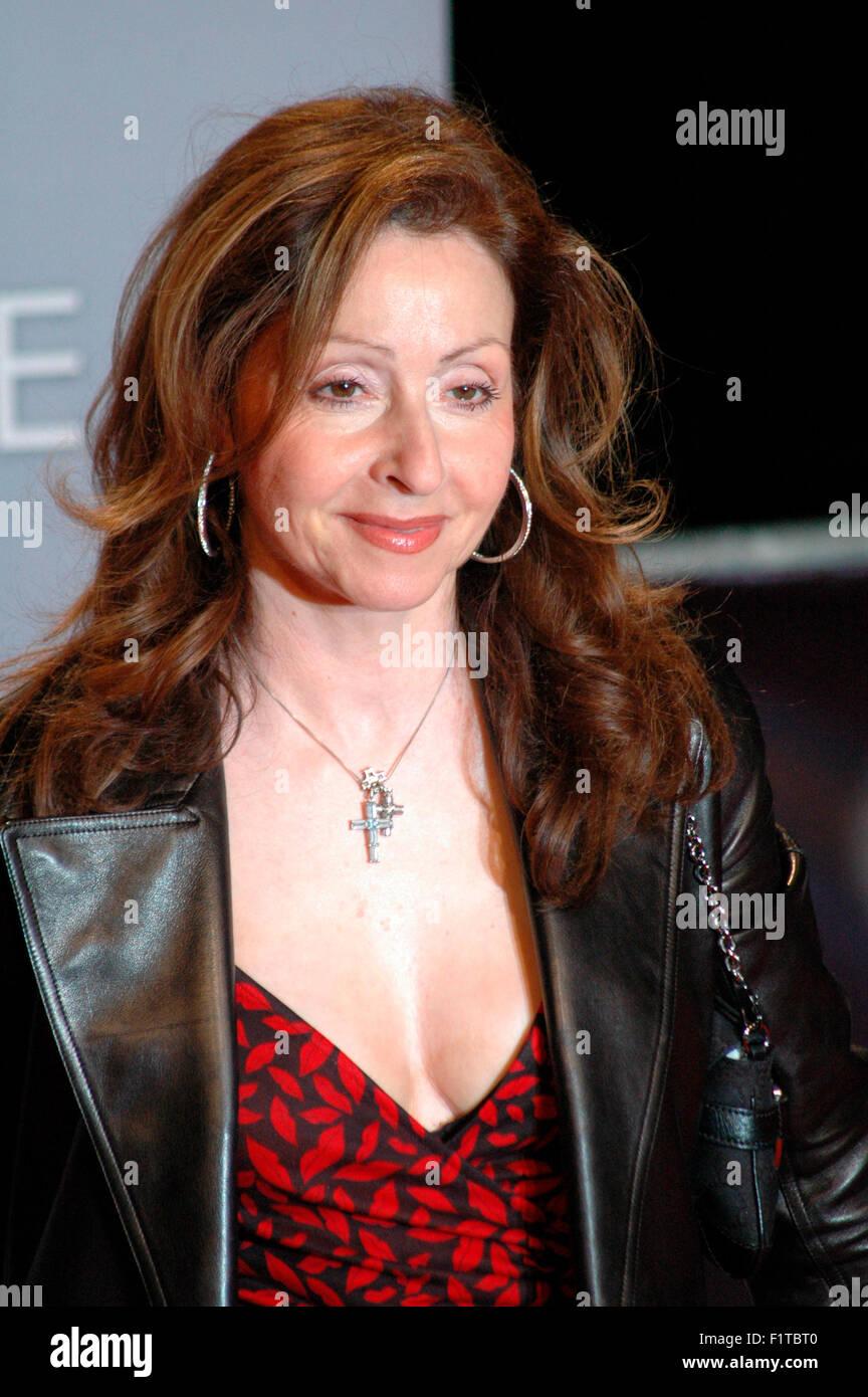 Vicky Leandros - Deutschlandpremiere des neuen James-Bond-Films 'Casino Royale', Sony Center, Potsdamer - Stock Image