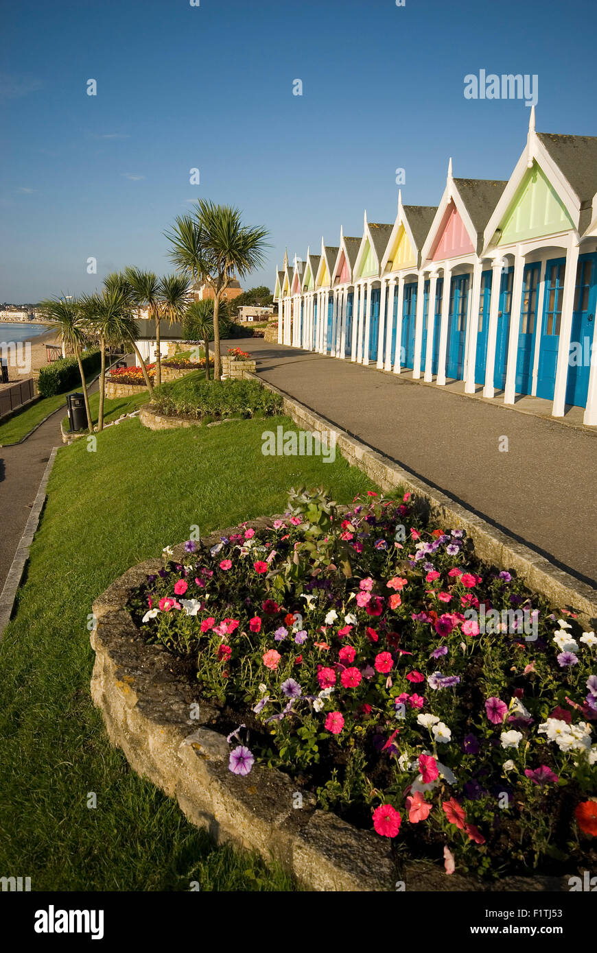 Greenhill Gardens Chalets, The Esplanade, Weymouth, Dorset Stock ...