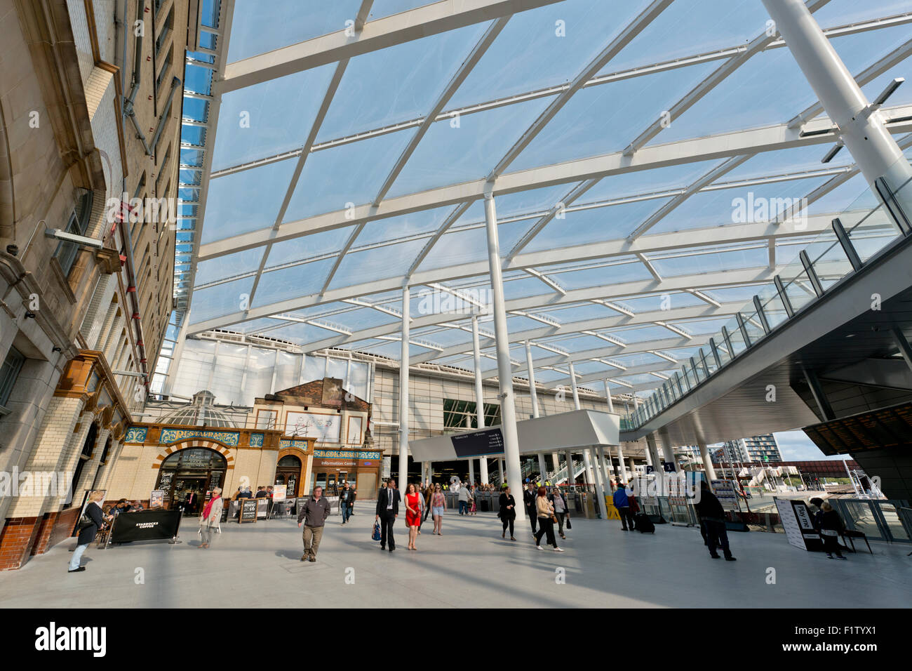 The main foyer hall of the refurbished Victoria Station in Manchester - Stock Image