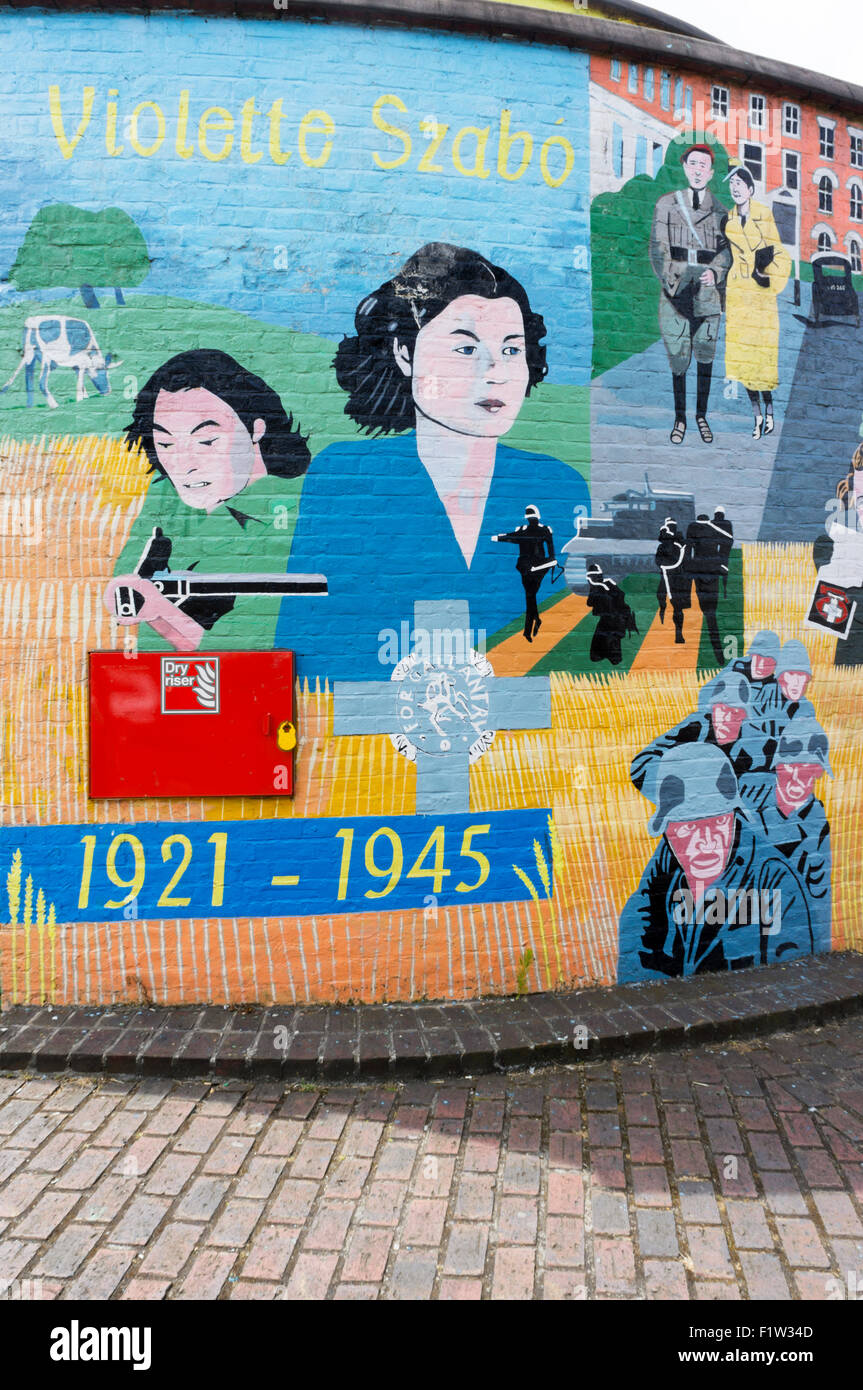 A mural painted as a memorial to Violette Szabó in Stockwell, South London.  DETAILS IN DESCRIPTION. - Stock Image