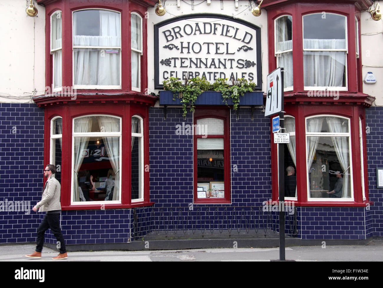 Broadfield Hotel on Abbeydale Road in Sheffield - Stock Image