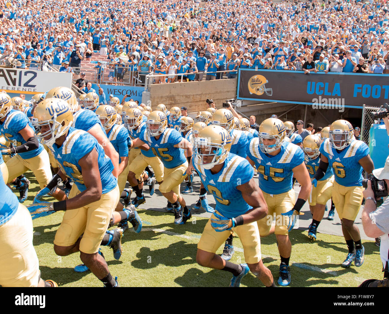 Pasadena, CA. 5th Sep, 2015. UCLA Bruins defensive back (9) Marcus Rios gets ready to take the field prior to the - Stock Image
