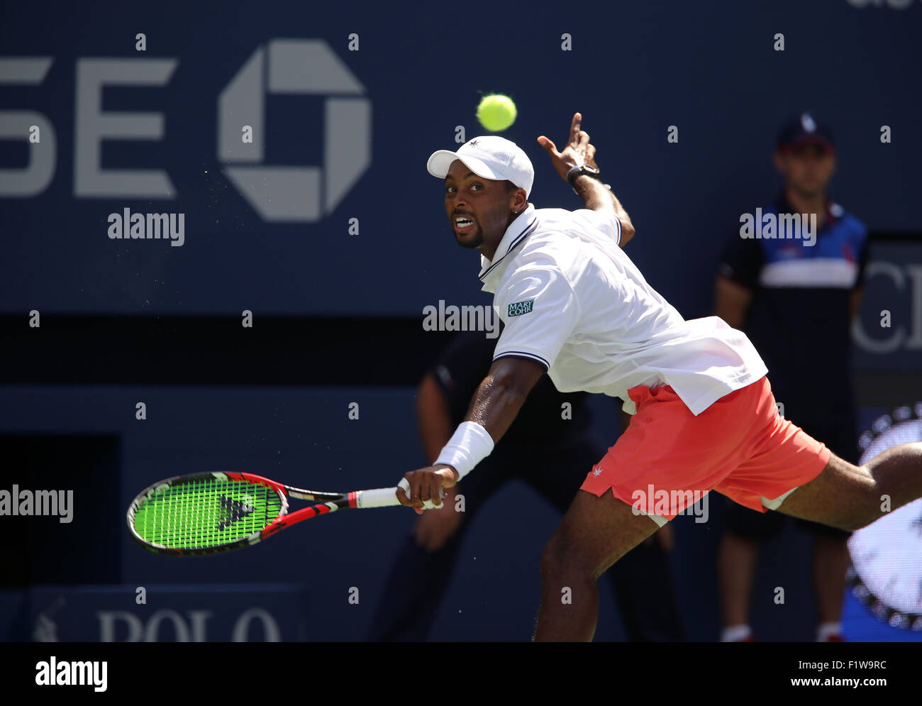 New York, USA. 7th September, 2015. Donald Young of the United States in action against Stan Wawrinka  during their - Stock Image
