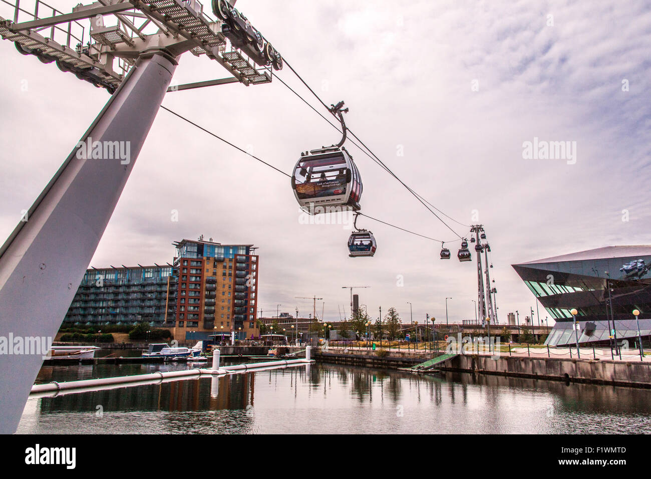 Emirates Air Line cable cars ride across the River Thames from North Greenwich to Royal Victoria Dock, London, England, - Stock Image