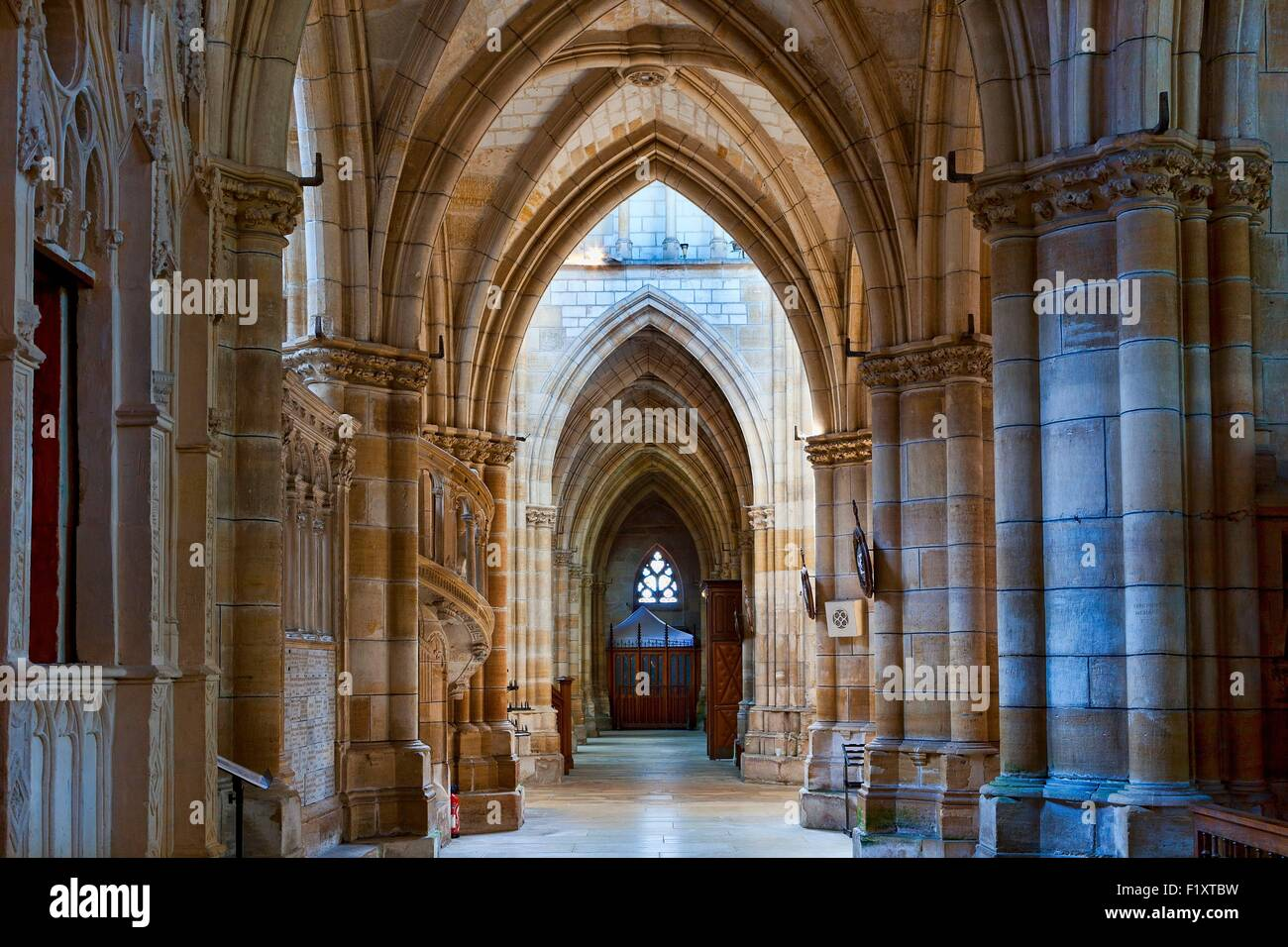 France, Marne, L'Epine, stop on the way of St James listed as World Heritage by UNESCO, Notre Dame basilica - Stock Image