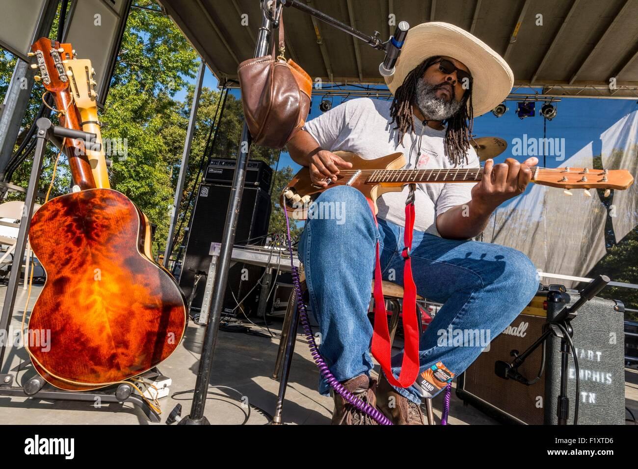 United States, Mississippi, Greenville, Mighty Mississippi Music festival, bluesman Alvin Youngblood Hart - Stock Image