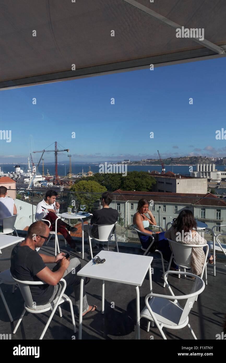 Portugal, Lisbon, Lapa, terrace of the Le Chat bar - Stock Image