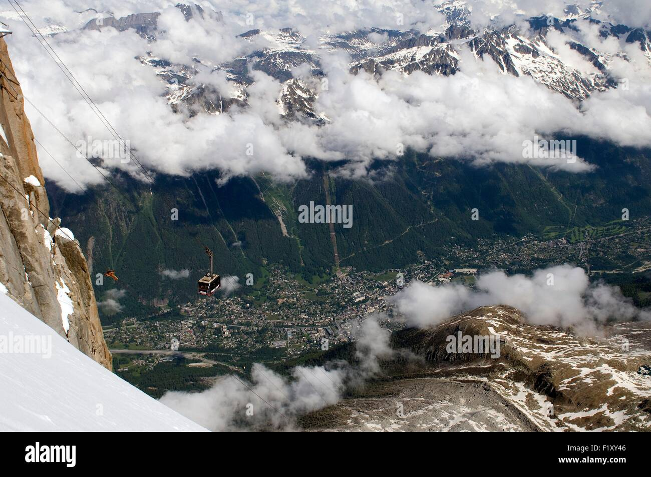 France, Alps, Chamonix, cable car to the Aiguille du Midi - Stock Image