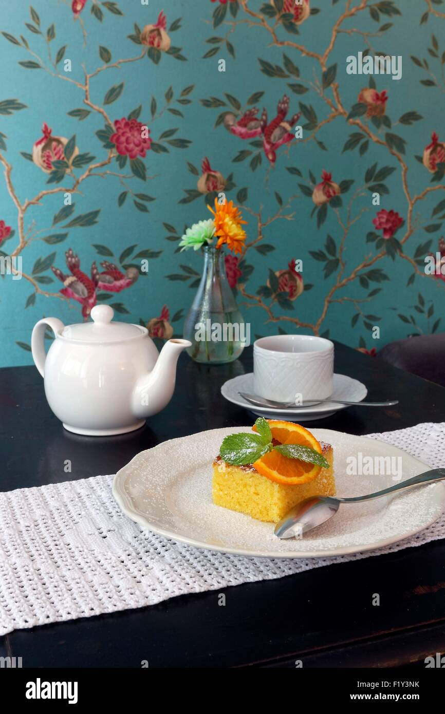 Portugal, Lisbon, Praτa do Principe Real, tearoom Orpheu Caffe - Stock Image