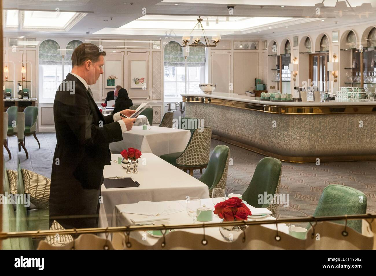 United Kingdom, London, tea room in Fortnum & Mason store of Piccadilly - Stock Image