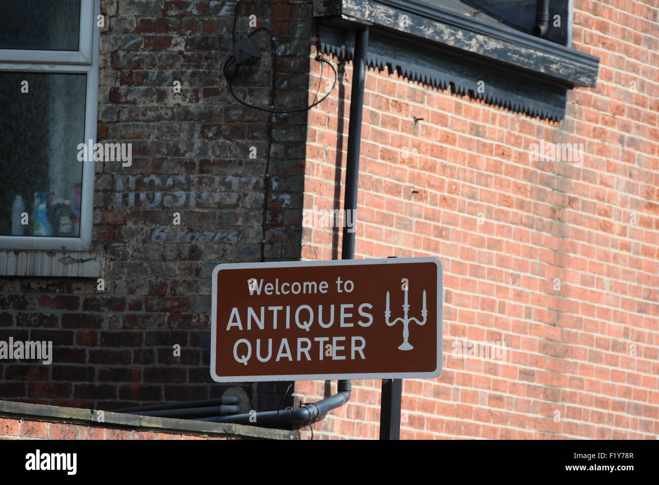 Sheffield Antiques Quarter Sign on Abbeydale Road - Stock Image