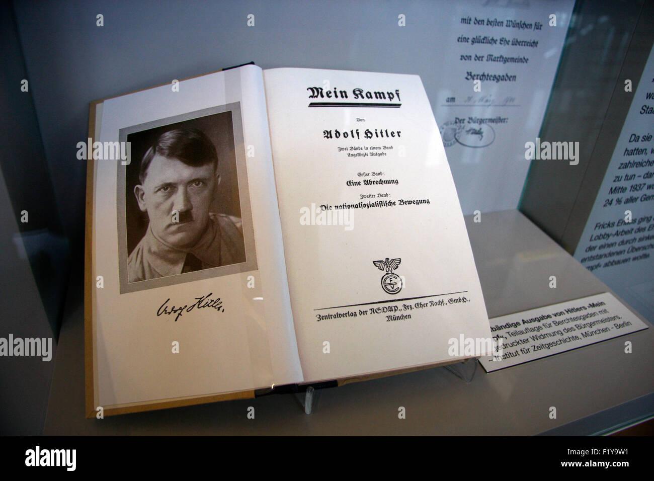von Adolf Hitler signiertes Buch 'Mein  Kampf', Dokumentationszentrum Obersalzberg, Berchtesgaden, Alpen - Stock Image