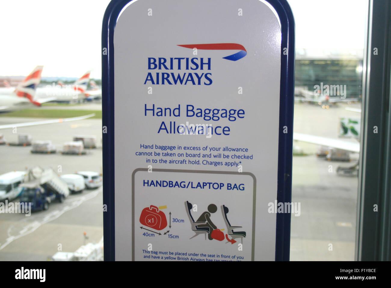 BRITISH AIRWAYS HAND BAGGAGE ALLOWANCE TERMINAL FIVE 5 - Stock Image