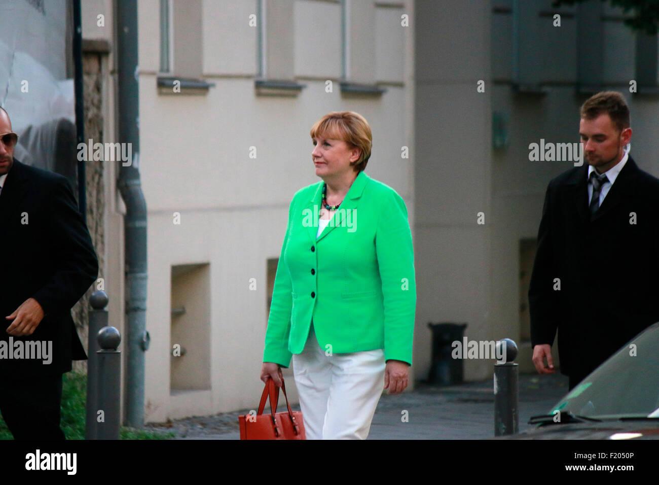 eine Schauspielerin, die die deutsche BKin Angela Merkel darstellen soll, Strassenszene, 30. August 2015, Berlin. - Stock Image