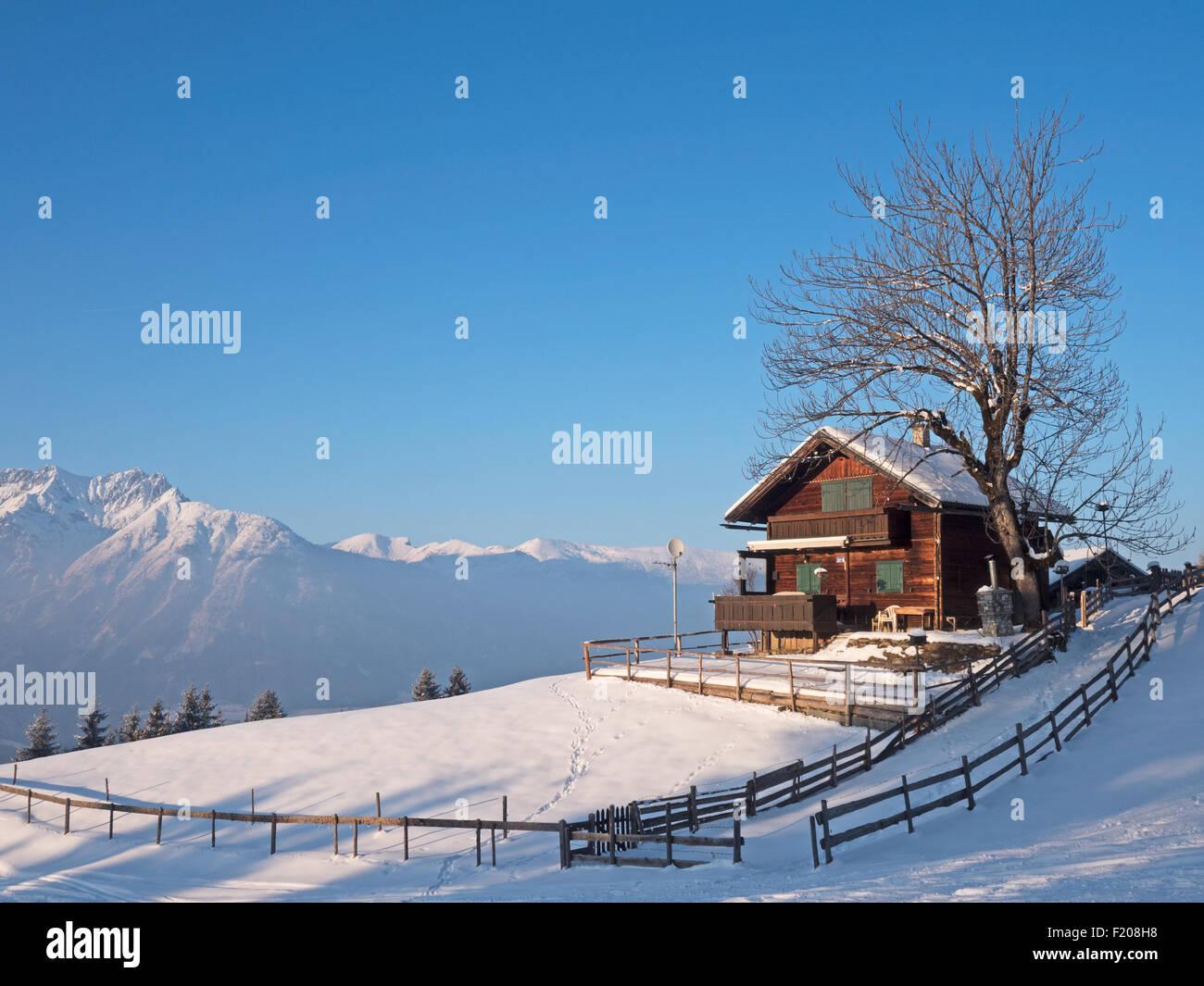 Hütte in den Alpen - Stock Image