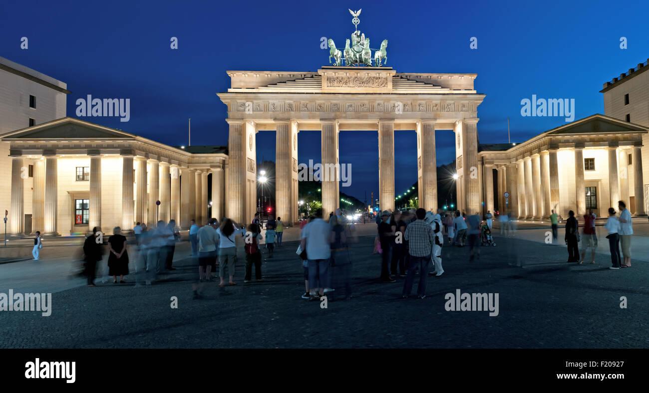 Brandenburger Tor bei Nacht - Stock Image