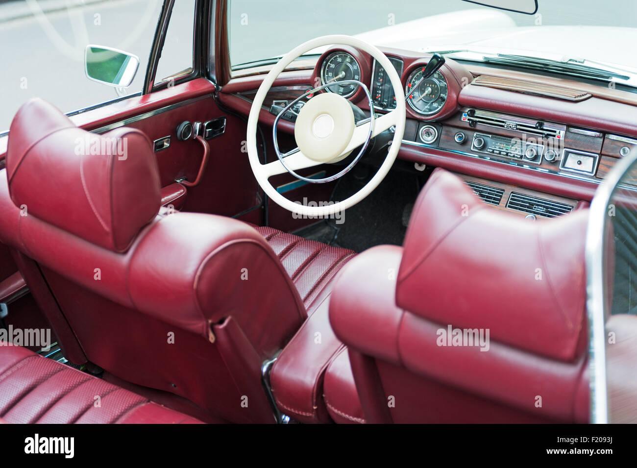 Innenaufnahme eine Cabriolet-Oldtimers Stock Photo