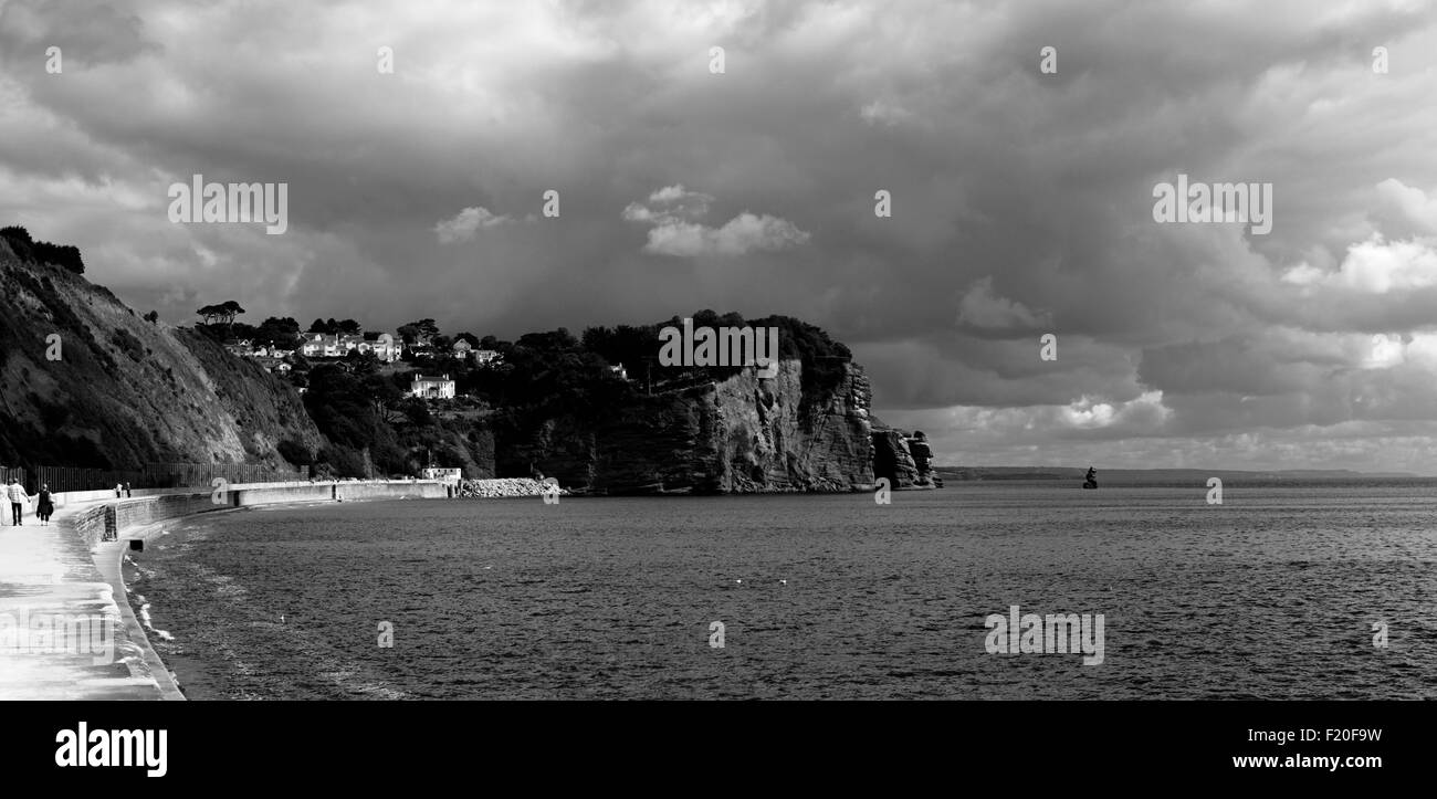 Hole Head, Holcombe, at the end of the Teignmouth sea wall. - Stock Image