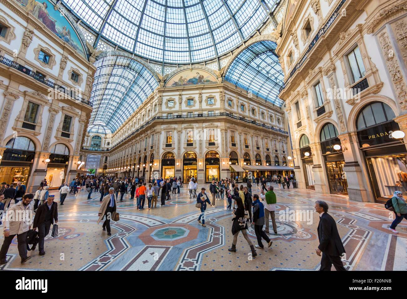 Italy, Lombardy, Milan, Vittorio Emmanuel II Gallery, shopping arcade built on the 19th century by Giuseppe Mengoni - Stock Image