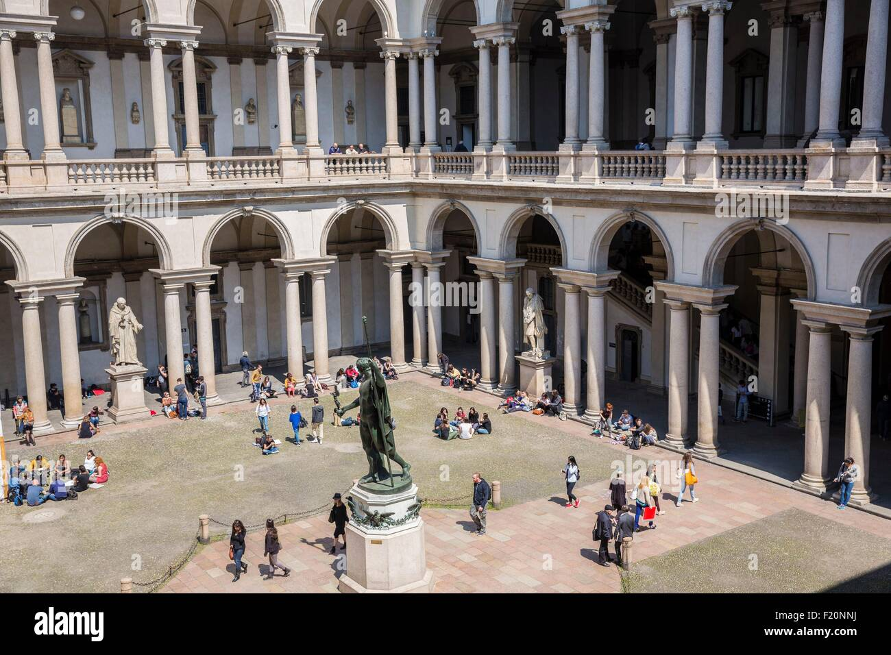 Italy, Lombardy, Milan, the courtyard of Brera Pinacoteca, fine Arts Museum, in the middle the statue of Napoleon - Stock Image