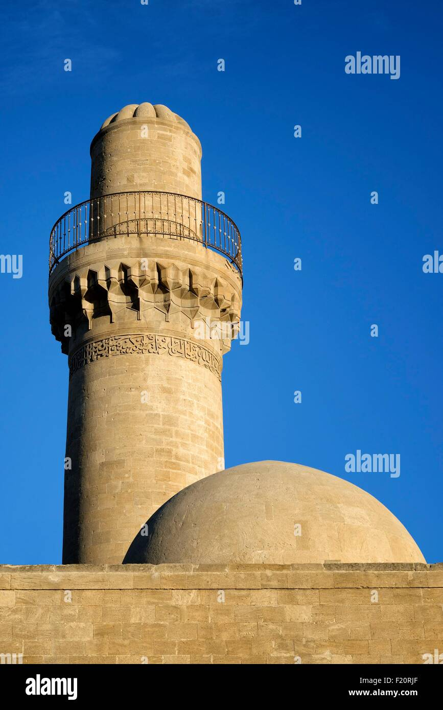 Azerbaijan, Baku, the Old City (Old Town, Ichari Shahar) listed as World Heritage by UNESCO, mosque and minaret - Stock Image