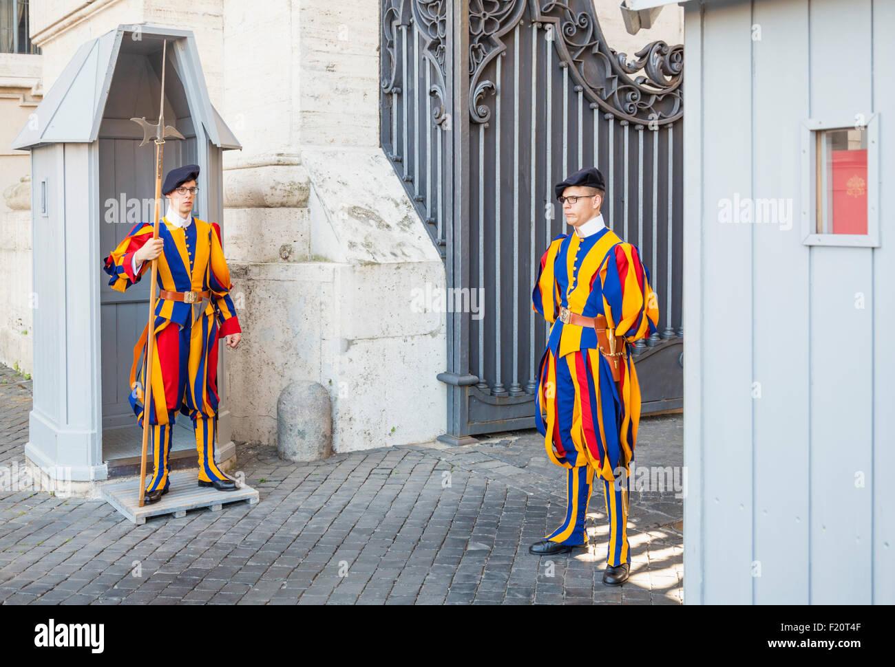 Members of the Pontifical Swiss Guard in Vatican City guarding St Peters Basilica Rome Roma Lazio Italy EU Europe - Stock Image
