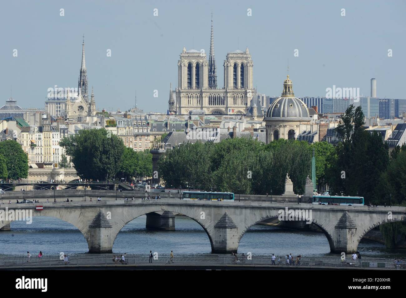 France, Paris, The Seine and Notre Dame de Paris, area listed as World Heritage by UNESCO (aerial view) - Stock Image