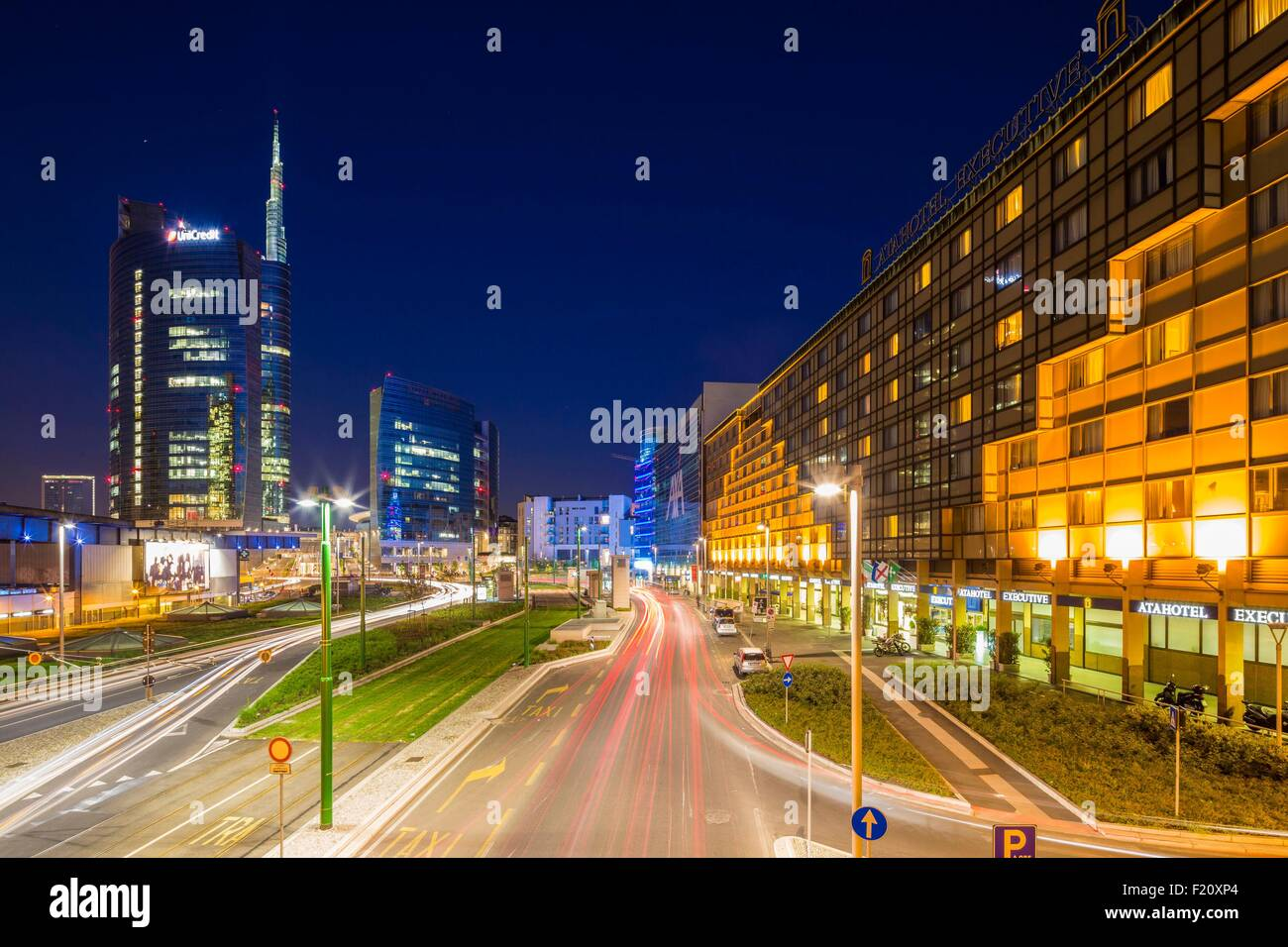 Italy, Lombardy, Milan, district of Porta Nuova and the tower Unicredit bigger skyscraper of Italy - Stock Image