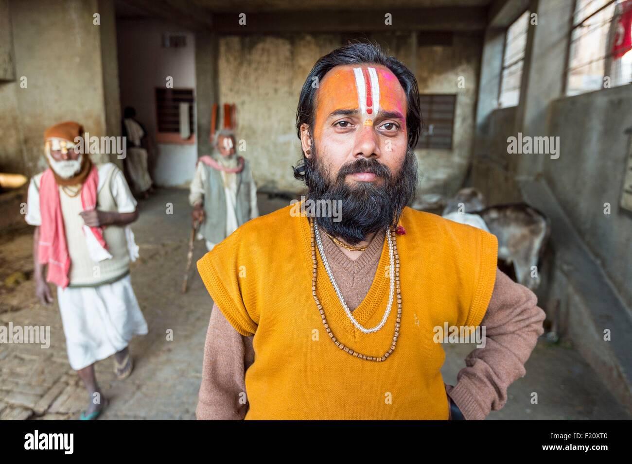 India, Rajasthan state, Jaipur, sadhus at the ashram of the Hanuman temple in the Galta area - Stock Image