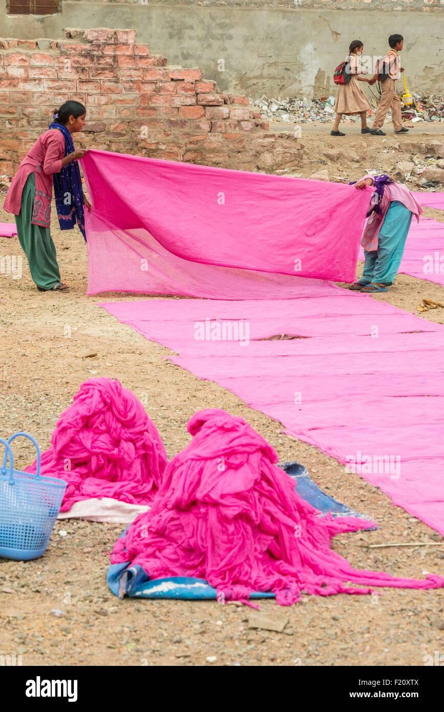 India, Rajasthan state, Jodhpur, drying fabrics - Stock Image