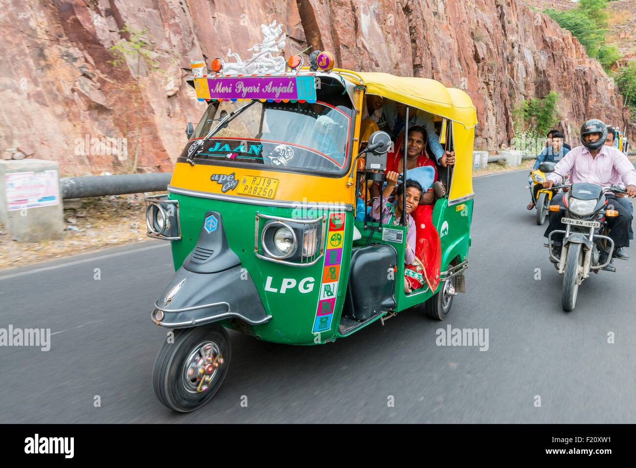 tuktuk india stock photos & tuktuk india stock images - alamy
