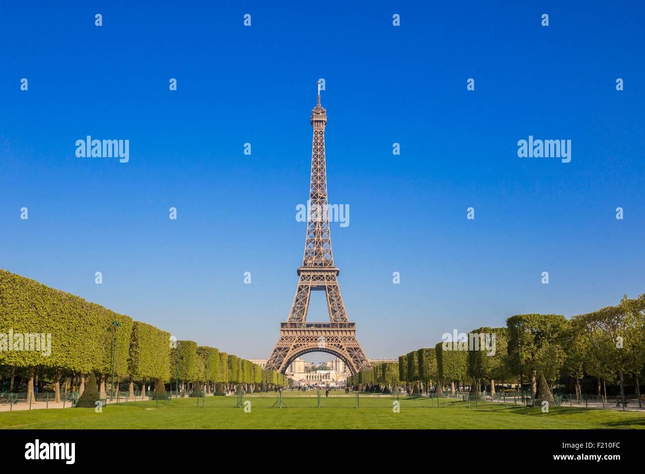 France, Paris, the Champ de Mars World Heritage of UNESCO, the Eiffel Tower - Stock Image