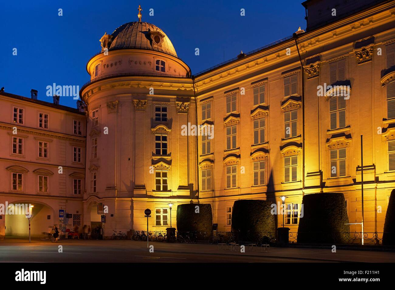 Austria, Tyrol, Innsbruck, Blue hour at the Imperial Palace - Stock Image